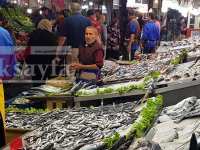 Kalkan balığı fiyatıyla dudak uçuklatıyor