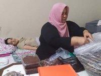 Biri yatalak üç çocuğu için mücadele eden anne: Ekmek alayım yeter