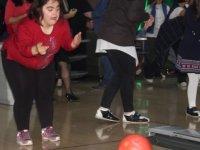 Etimesgut'ta engellilerin bowling heyecanı