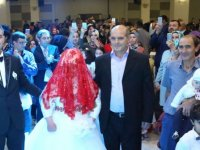 En büyük hayali gelin olmak olan down sendromlu 23 yaşındaki Rabia Süer'in düğünü oldu