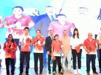 Görme Engelli Milli Sporcu Havva Elmalı'ya bir ödül de Ankara Gençlik ve Spor İl Müdürlüğü'nden