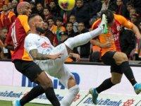 Galatasaray 3 puan ile başladı haftaya