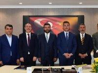 Mamak Belediye Başkanı Murat Köse Ankaragücü Başkanı Fatih Mert'e hayırlı olsun ziyaretinde bulundu