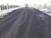 Gölbaşı Belediyesi okul yollarını onarıyor