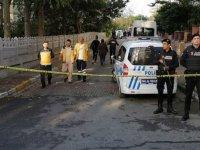 Bakırköy'de bir evde biri çocuk 3 kişinin cesedi bulundu