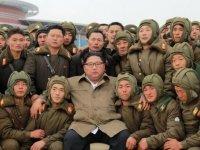 Kuzey Kore'den kritik dönemde askeri tatbikat