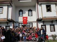 Etimesgut Eryaman Atatürk Emekliler Konağı'nda kuşaklar buluştu