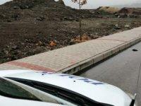 Elazığ'da bir adam karısını bıçaklayıp yol kenarına attı