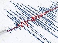 Gece yarısı peş peşe korkutan depremler!