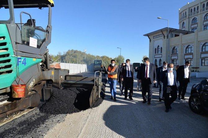 kahramankazanin-yollarina-10-bin-ton-sicak-asfalt-serildi-(16).jpg