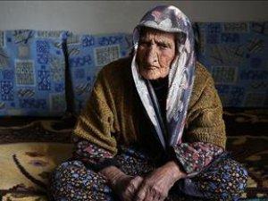 3 padişah 12 cumhurbaşkanı gören Fatma Nine