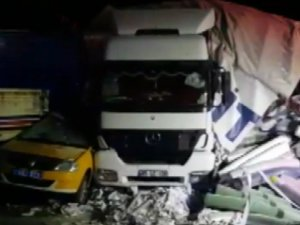 Gerede'de 13 aracın karıştığı zincirleme kaza