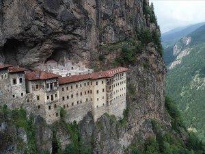 Video: Sümela Manastırı yeniden ziyarete açıldı: 4 yıldır restorasyon çalışması yapılıyordu