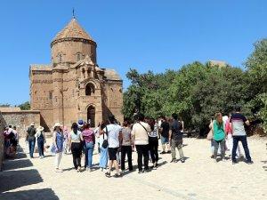 1100 yıllık Akdamar Kilisesi'nde 7'nci ayin hazırlıklar başladı