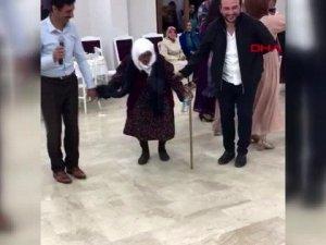 105 yaşındaki Sabayi nine sosyal medyayı salladı