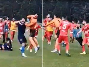 Hazırlık maçı öncesi futbolcular birbirine girdi