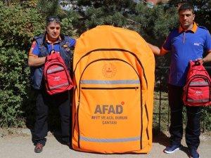 Dev afet çantasıyla çocuklara dikkat çeken eğitim