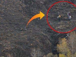 Dağları aşıp, sulardan geçerek çocuklarını servise ulaştırıyor