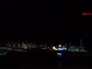 İstanbul'da 2 gemi çarpıştı!