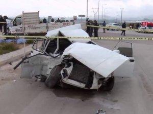 Adana'da feci kaza; anne ve kızı ile 1 kişi öldü