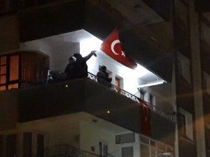 Başkent'te 23 Nisan balkonlardan böyle kutlandı