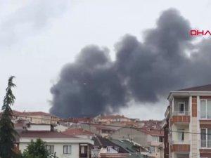 Avcılar'da plastik fabrikasında yangın çıktı