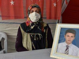 Diyarbakır annelerinden Övünç: Oğlumu HDP'den istiyorum