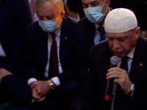 Erdoğan'dan Ayasofya'da Kur'an-ı Kerim tilaveti