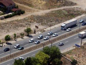 AA jandarma ve emniyet ekiplerinin havadan trafik denetimlerini görüntüledi