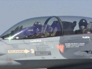Türk F-16'ları Azerbaycan uçaklarıyla uçuş gerçekleştirdi
