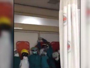 Başkentte ameliyatta ölen yaralının yakınları sağlık çalışanlarına saldırdı