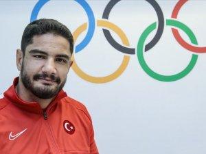 Olimpiyat şampiyonu Akgül'den gençlere altın öğütler