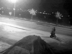 Önce motosikletle gezdirdi, sonra gasbedip, bıçakladı