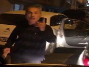 Küçükçekmece'de hastane personelinin olduğu servise saldırı kamerada