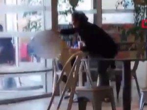 Kadının çocuğu darbetmesi kamerada