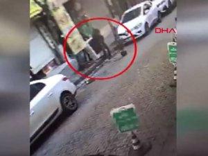 Bahçelievler'de çaldığı klimayı sırtlayıp götürürken polise yakalandı
