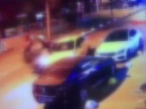 Kadıköy'de taksiyle motosikletli kafa kafaya böyle çarpıştı