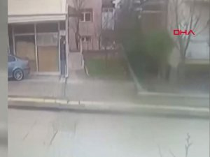 Evinin balkonundan düşerek yaralandı