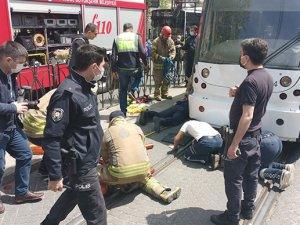 Haseki'de bir kişi tramvayın altında kaldı