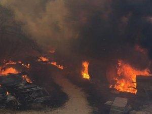 Aydıncık ve Gülnar'da çıkan orman yangınlarına müdahale sürüyor