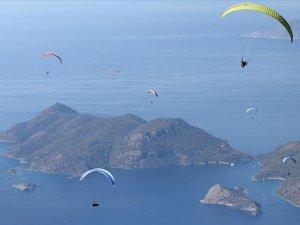 """Yamaç paraşütünün """"en iyi akrobasi pilotları"""" Fethiye'de buluşacak"""