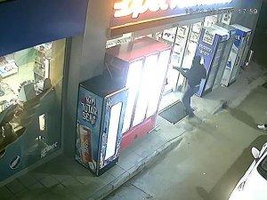 Bursa'da benzinci soygunu kameraya takıldı