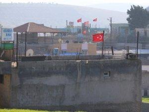 Vatandaşlar evlerini Türk bayraklarıyla donattı