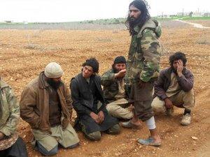 Muhaliflerin esir aldığı DEAŞ'lılar rejimle iş birliğini itiraf etti
