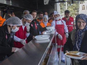 Afrin'de 'yardım seferberliği' devam ediyor