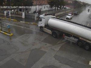 Trafik kazaları MOBESE kameralarınca görüntülendi