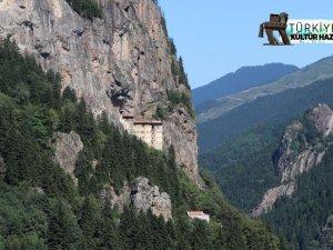 Doğu Karadeniz'in turizm gözdesi 'Sümela'