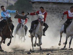 Kırgız Türkleri 'Dünya Göçebe Oyunları'na hazırlanıyor
